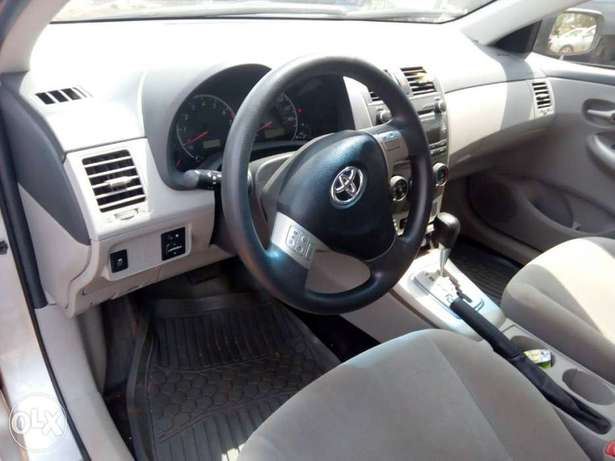 Sparkling clean firstbody 2012 Toyota Corolla Ibadan North - image 3