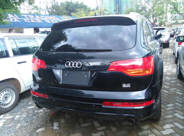 Black Q7,3600cc,Leather Seats,Back Camera,Dvd Player,Back Camera Nairobi CBD - image 7