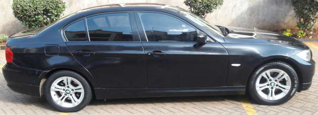 BMW 318i 2010 model Kileleshwa - image 4