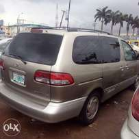 Toyota sienna for sale registered