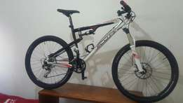 Scott spark. 27spd Shimano XT. Rockshox recon air shock