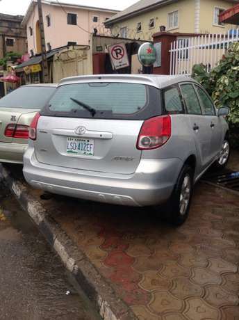 A Used Toyota Matrix For Sale Ikeja - image 2