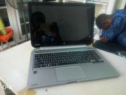 Detachable Toshiba Satellite W35Dt Quad Core 500gb/4gb