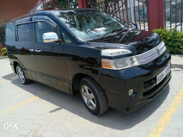 Very Clean Toyota Voxy KBW for sale Gatwikira - image 2