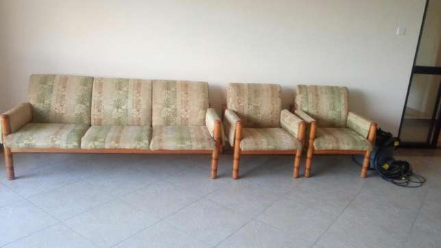 Sofa set -5 seater Nairobi CBD - image 1