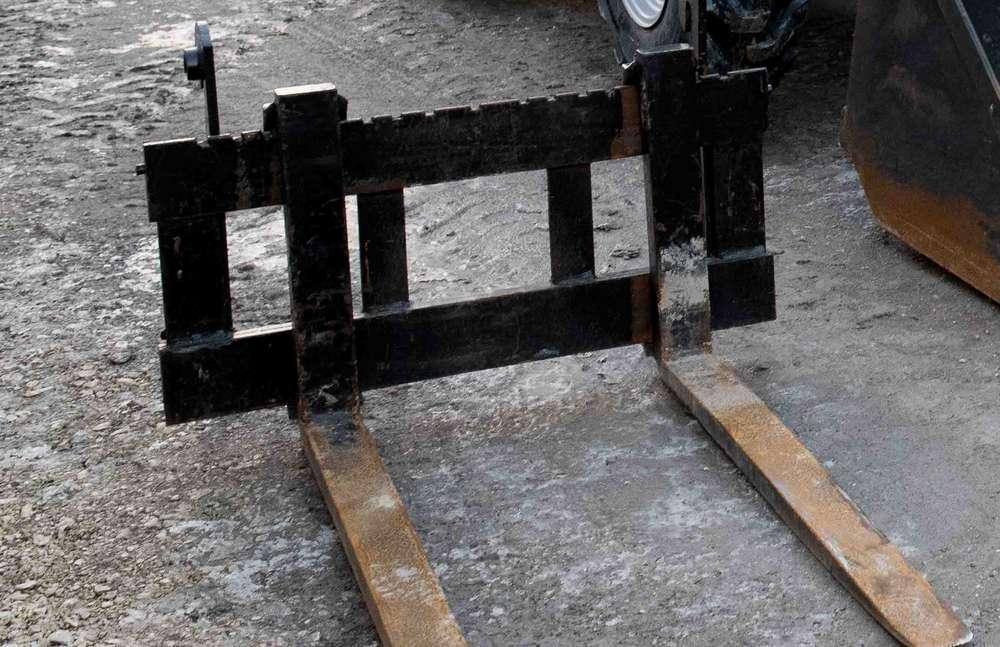 Kramer 380 mit Palettengabel und Schaufel - 2006 - image 4