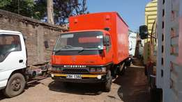 Very clean mitsubishi canter 4d32 model 2008