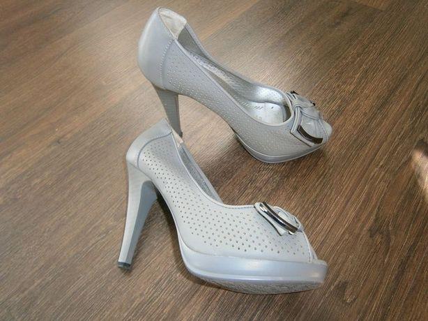 Туфли женские серые  150 грн. - Жіноче взуття Черкаси на Olx e91a507edc77d