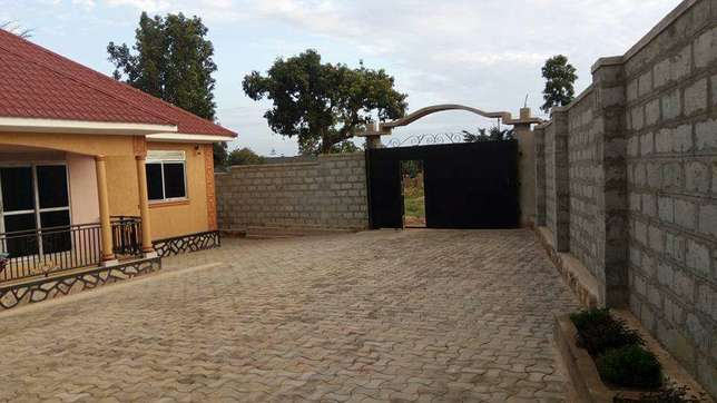4 bedroom house for sale in Kira Kampala - image 3