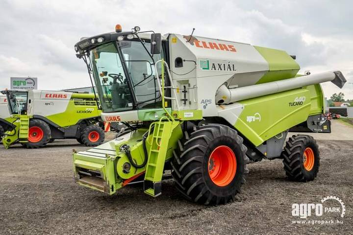 Claas Tucano 440 4wd (2482/4290 Hours) V600, 6m Header - 2011