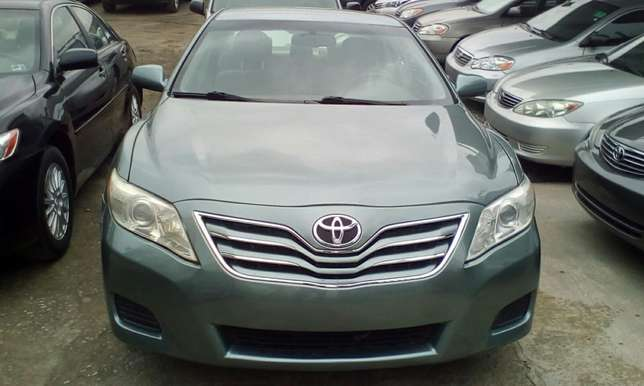 Super Clean 2011 Toyota Camry Lagos Mainland - image 1