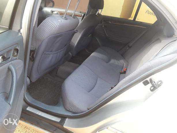 Clean C-200 for Grabs Abuja - image 4