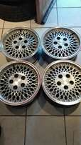 Price is for the whole set of 4 Jeep mags 15 inch 5/127pcd