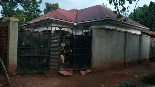 Three bedroom House on sale in Gayaza town at 45m Kampala - image 4