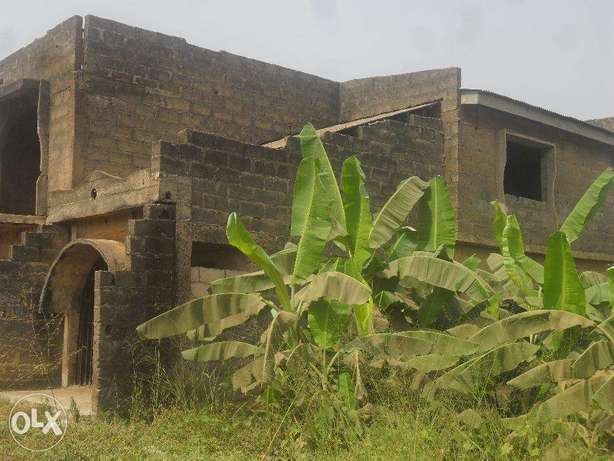 Uncompleted building Lagos Mainland - image 7