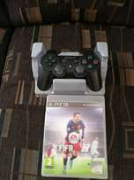 Playstation 3 original controller and fifa 16 game