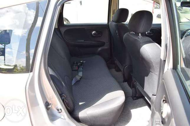 Nissan note year 2010 negotiable Parklands - image 3