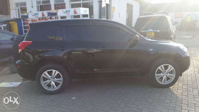 Toyota RAV4 Eastleigh North - image 1