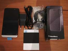 *NEW* BlackBerry Z30 with *NEW* Cover