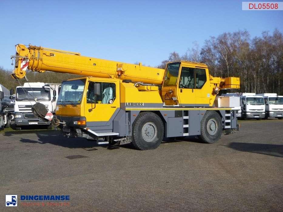 Liebherr LTM 1030/2 4x4x4 35 t / 30 m - 2000