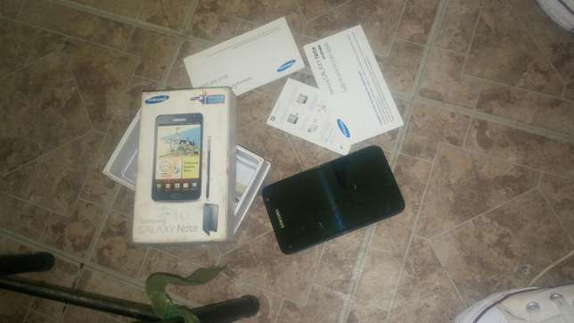 Samsung note 2 with box for sale in bloemfontein Brandwag - image 1