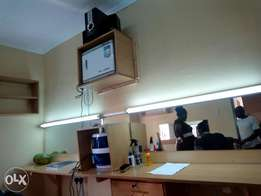 Executive Kinyozi/fitted electricals/furniture mirror