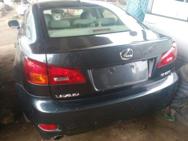 Tokunbo 2008 Lexus IS250 (Thumbstart+Navigation+Reverse Camera) Ikeja - image 1