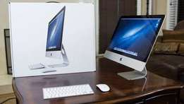iMac 21.5 inches - 3.1 GHz intel core i7 with a magic keyboard