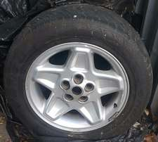 Land Rover Discovery 2 Tires and Rims