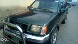 2001 auto Nissan frontier extreemely sound and neat with chilling AC