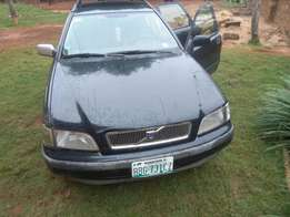 Clean Privately used Volvo V4 for sale