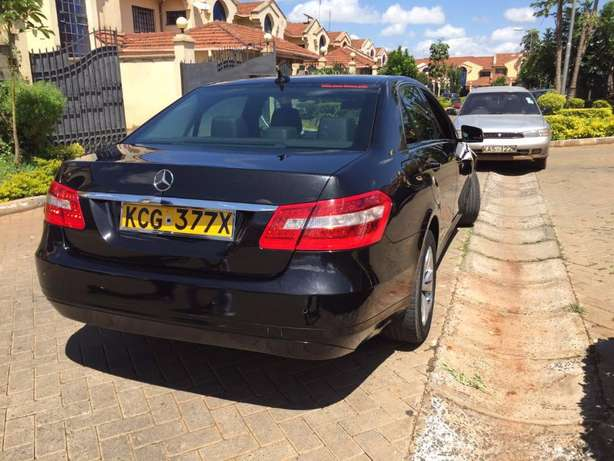 2010 Mercedes E220 CDI Diesel. Reduced price from 3.3M!! Langata - image 4