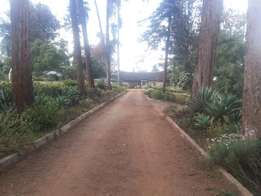 Old kitisuru 5b/r bunglow all insuite rent 200k