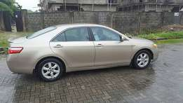 Neatly used Toyota Camry (2007)