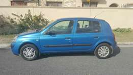 Renault clio (low kms)