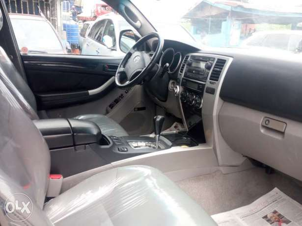 2008 Toyota 4runner black. Limited edition. Direct tokunbo Apapa - image 4