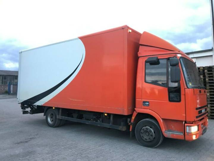 Iveco 80 E koffer- Manual-Ladebordwand BJ 2012 - 2002