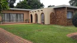 Stunning house in Sinoville - 3 bed 2 bath and flatlet