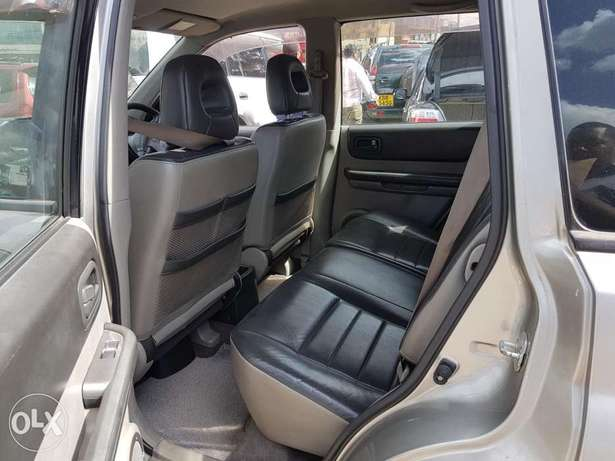Nissan extrail super clean in mint Condition Nairobi CBD - image 5