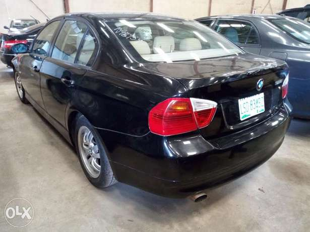 Extremely Clean BMW 3i Series Alausa - image 8