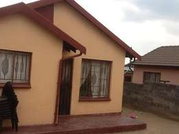 2 bedroom house to let in ebony park