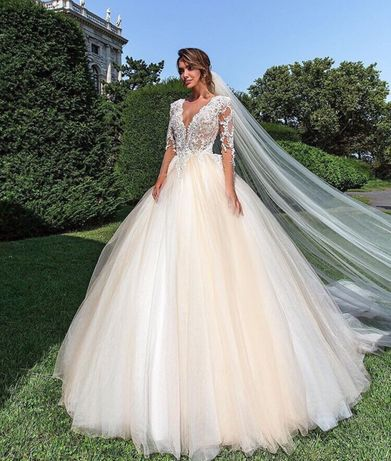 b920838984b16d Весільна сукня Crystal: 650 $ - Весільні сукні Львів на Olx