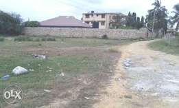 100 by 50 Plot For Sale(Freehold title)in Bamburi Mwembelegeza Mombasa