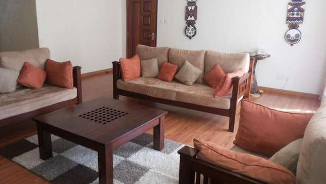An exquisite 3 bedroom plus Dsq Furnished Apartment- Riara Road Nairobi CBD - image 3