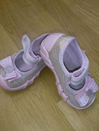 c2016ed7d42683 Взуття для принцески: 150 грн. - Детская обувь Львов на Olx