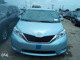 Tincan cleared tokunbo toyota sienna 014 fuloption