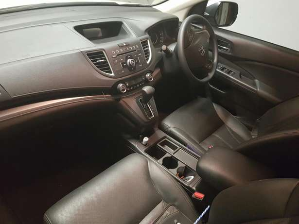 2015 Honda CRV 2.0 Comfort A/T with low milage Kosmos - image 2