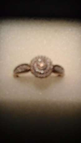 9ct yellow gold Cluster Diamond ring for sale Pretoria East - image 3