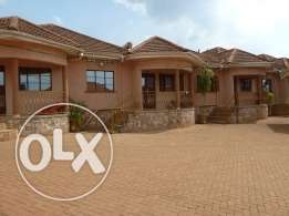 2bedrmed houses for rent at 600k on Salama - Munyonyo road.