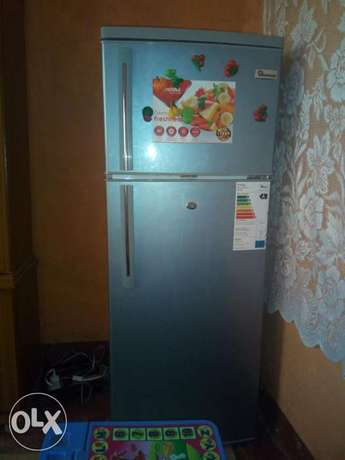 I have some personal problem, this fridge is mine and good. Nyahururu - image 2